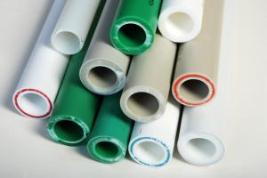 Ekstrudering, Sprøytestøping & Prosesskjøling / Gjenvinning er viktige bearbeidingsteknikker for plast.